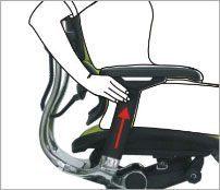 Justering af højden på armlænet - ErgoHuman ergonomisk kontorstol
